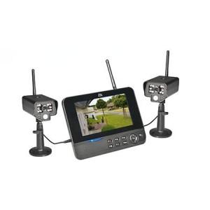 Das Überwachungskamera Set mit Aufzeichnung dnt Digitales-Funk-Kamerasystem QuattSecure mit Monitor, 2 IR Kameras und Aufzeichnung auf SDHC-Karte