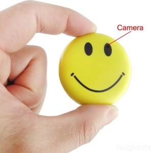 Die TEKMAGIC® 8GB Mini getarnte Überwachungskamera Smiley, bitte Lächeln
